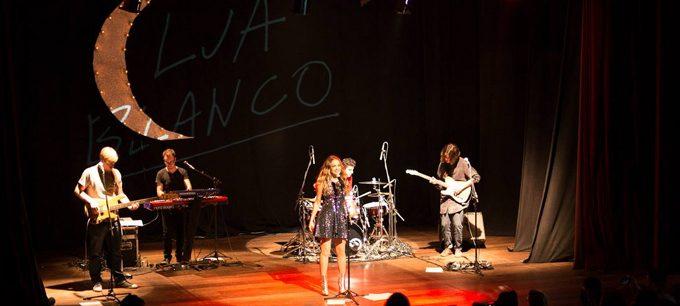 Show Lua Blanco