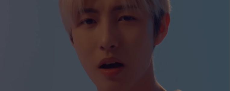 """Renjun, do NCT, encanta fãs com cover de """"Fools"""", de Troye Sivan"""