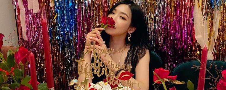 Integrantes do Girls' Generation fazem festa para comemorar os 31 anos de Tiffany