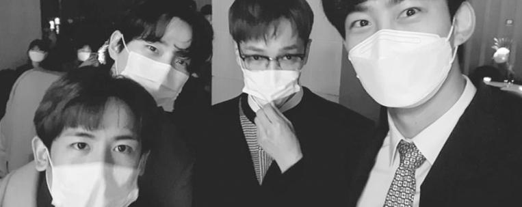 """2PM se reúne para cantar """"My House"""" em casamento; veja o vídeo"""