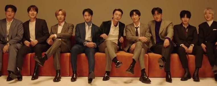 """Super Junior relembra 15 anos de história em videoclipe comemorativo; assista """"The Melody"""""""