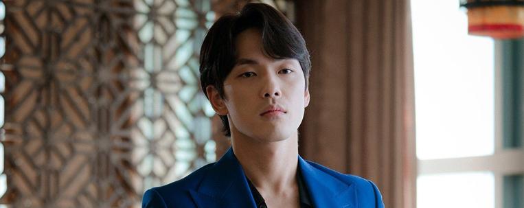 Kim Jung Hyun anuncia fim de contrato e troca farpas com agência