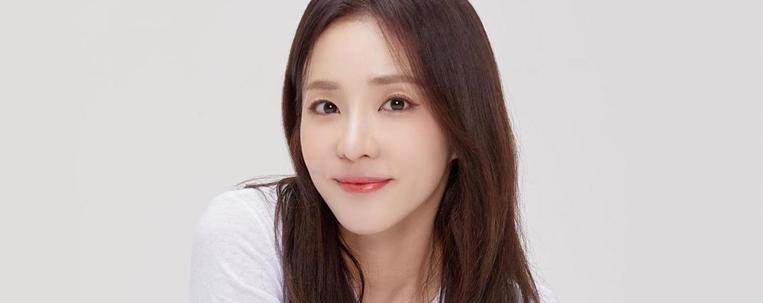 Após 17 anos, Sandara Park deixa a YG Entertainment