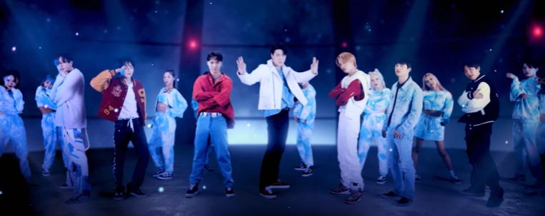 """Com Yixing, EXO faz balada espacial no clipe de """"Don't Fight The Feeling""""; vem ver"""